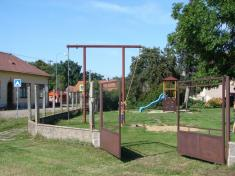 Rekonstrukce plotu okolo dětského hřiště